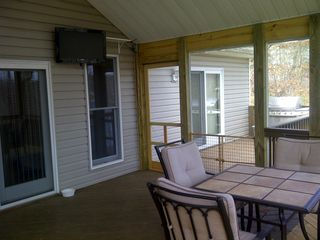 Moneta house photo - Screen porch view 2