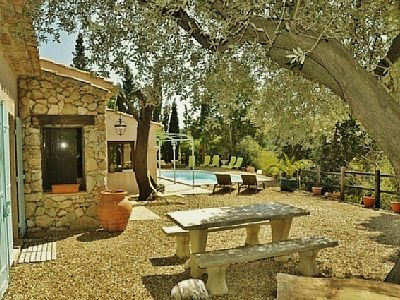 Golf St Tropez holiday villa + boat with skipper promoting off season