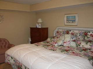 Gayhead - Aquinnah house photo - Lower Level Queen Bed