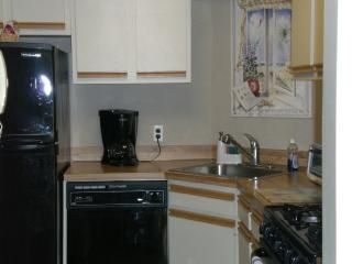 Fully stocked kitchen w upscale appliances