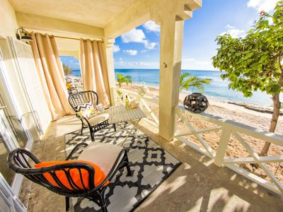 REEF HOUSE - BEACHFRONT -APT. SUITES - South