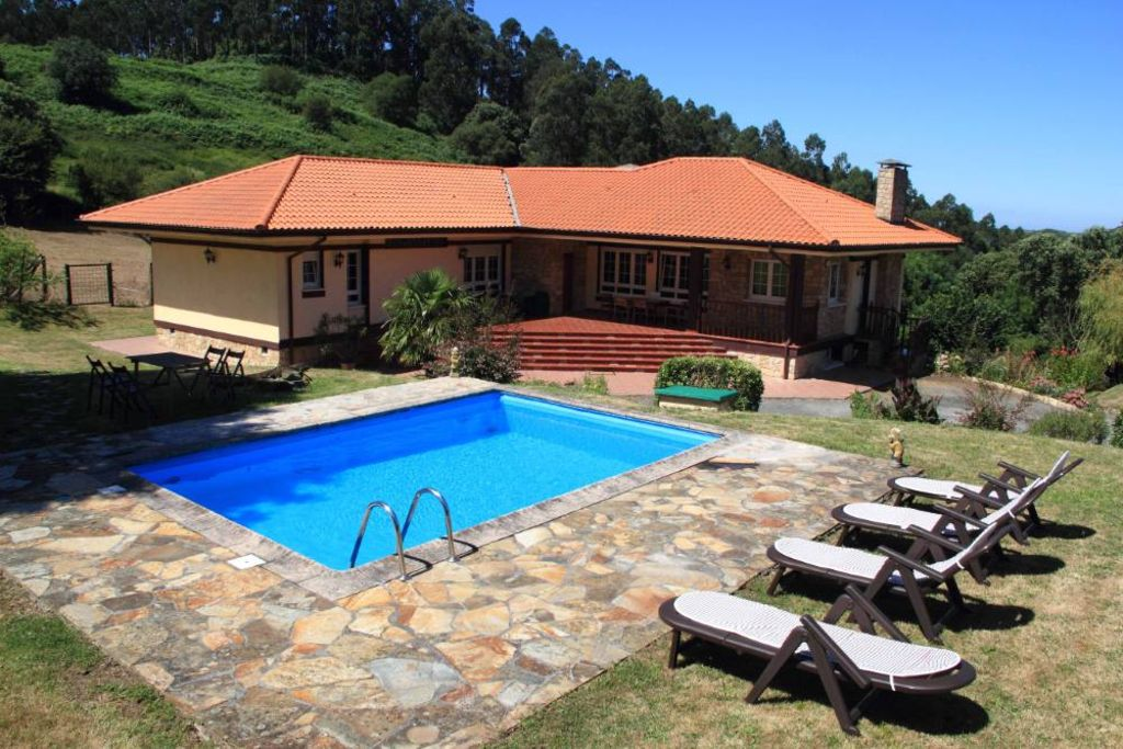 Peaceful accommodation, close to the sea , Getxo
