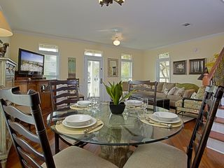 Crystal Beach house photo - Beautiful Dining area