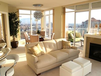 Kelowna condo rental - Living Room