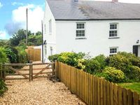 APPLEDORE COTTAGE, pet friendly in Porthtowan, Ref 904671