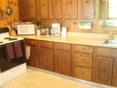 Raymond cottage rental - Electric range and micro-wave, toaster & coffee maker
