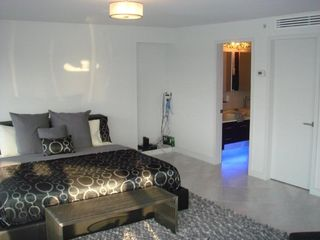 Master Boom Suite - South Beach apartment vacation rental photo