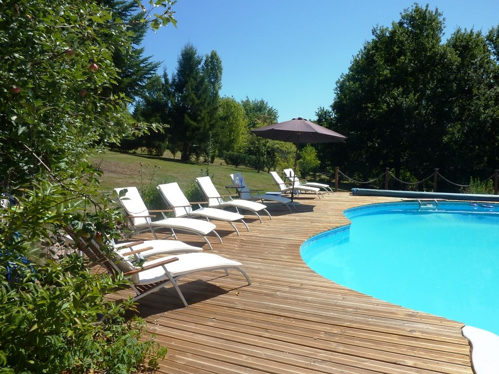 Check for Piscine vallet