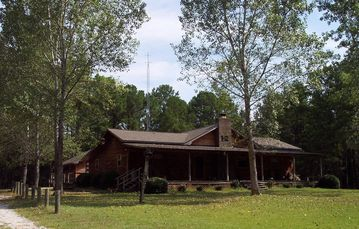 Lake Eufaula / Walter F. George lodge rental - Hawkins Ridge Lodge