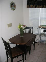 Bradenton condo photo - Eat-in Kitchen overlooks the courtyard