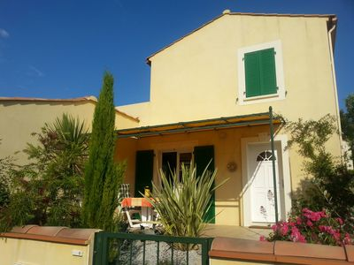 Comfortable large villa (90m²) with garage, 2 terraces, quiet location, beach 800m