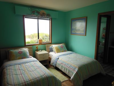 Charming Twin Bedroom With it's Own Full Bath. It also has Ocean & Garden Views!