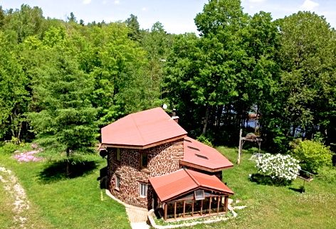 Serene private nature escape private lake vrbo - Serene traditional cottage in natural theme ...