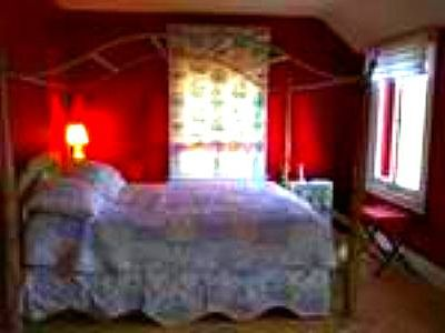 Queen canopy/Periwinkle Toile/Water view/ can be a 2 bedroom suite 2 pvt baths