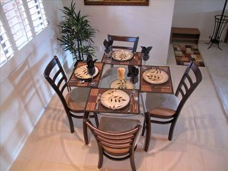 Phoenix condo photo - bright dining room