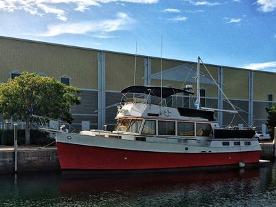 'THE LITTLE RED' YACHT: LUXURY AT KEY WEST HARBOR MARINA & CLUB
