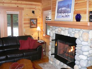 McKenzie Bridge cabin photo - Living room/fireplace