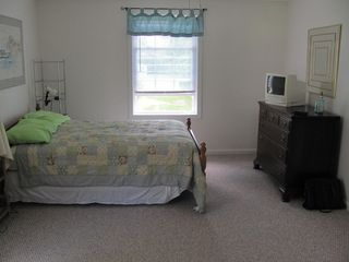 Old Lyme cottage photo - Second-floor bedroom