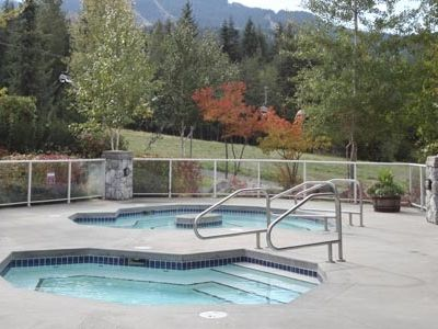 The Hot Tub, with views of the mountains and the slopes!
