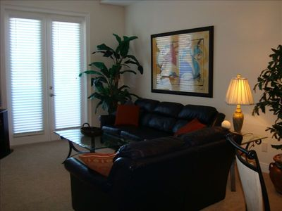 Clearwater Beach townhome rental - Living Room- Flat screen TV, WiFi, DVD player, audio, balcony