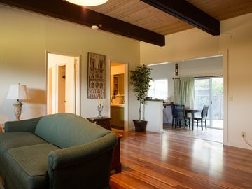 San Luis Obispo cottage rental - Living room