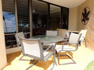 Maalaea condo photo - Take pleasure in having meals on your large lanai with seating for 6.