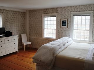 King Bedroom - Arlington farmhouse vacation rental photo