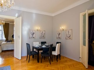 Innere Stadt apartment photo - Table for 6 - also ideal for a romantic dinner - treat yourself!