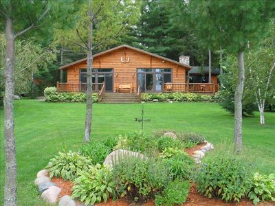 Awesome Cabin, Large attached deck, Large level yard, central a/c, free Wi-Fi