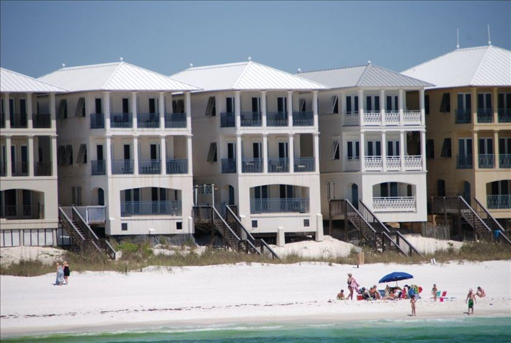 A shore thing gulf front frangista beach vrbo for 9 bedroom house destin florida