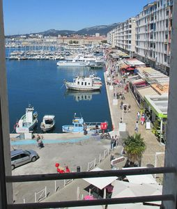 Apartment on the port of Toulon