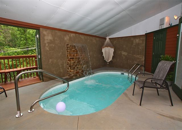 Cabin for 2 w indoor swimming pool and waterfall all Cottages with swimming pools to rent