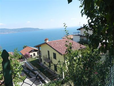 Lake Garda nice apartment with private garage and roof terrace