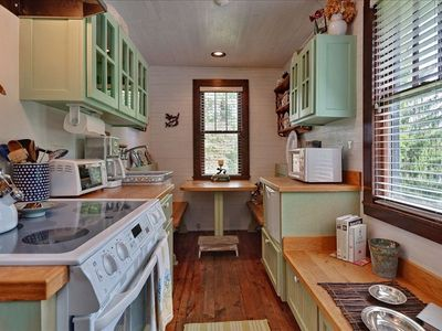 Completely remodeled with Sub-Zero, Fisher-Paykay dishwasher and smooth cooktop