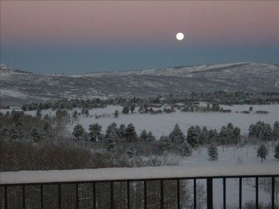 Ridgway villa rental - A winter moonset from the upper deck off the master suite.