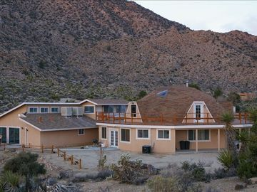 Joshua Tree house rental - Looking at the Dome from the back and overlooking the park