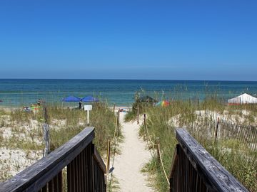 Gulfview, 2 Br/2 Ba, 1 Min. To Beach, Booking Spring & Summer Now!