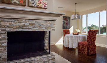 Ventura house rental - Fire place and Dinning Room