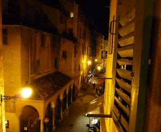 Night view of rue de la Prefecture