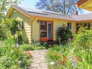 In The Heart Of Sonoma County Near Winerie Vrbo