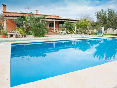 Holiday house for 6 persons with private pool.