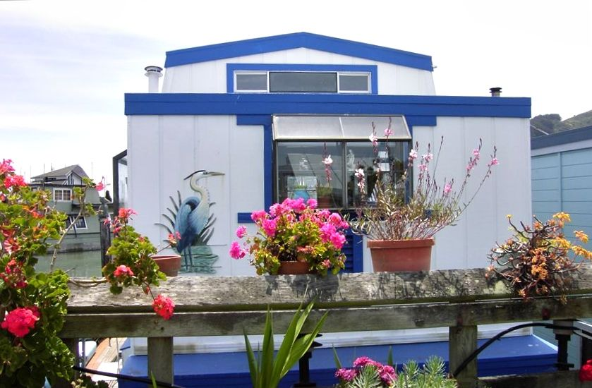 Charming houseboat in deep water with kayaks vrbo for Vacation rentals san francisco bay area