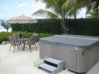 Fort Myers Beach house photo - Picnic by the hot tub.