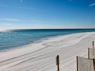 Holiday Surf and Racquet Club Destin condo photo - Holiday Surf & Racquet Beach