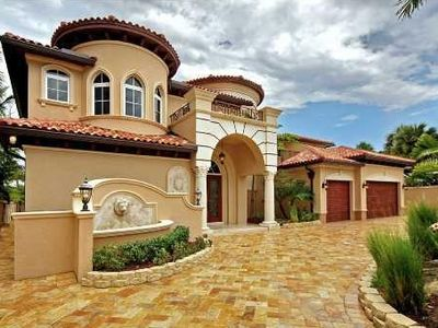 Magnificent 7,000 sq. ft. gated mansion only 100 yards to the beach