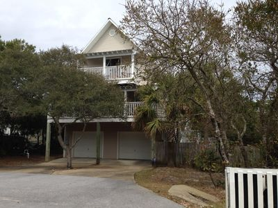 Raised Cottage 'Dune Fine'- Easy Walk to Beach - Pets Welcome!
