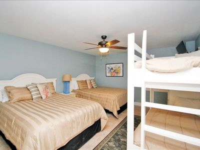 2 Queen Beds and set of built in Bunk Beds and Flat screen TV