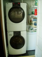 Toronto condo photo - Ensuite Laundry