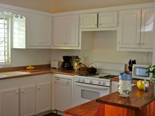 Nisbet Beach villa photo - Full kitchen includes dishwasher, washer dryer, microwave and cookware.