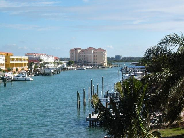 Luxury Waterfront, 3 BR/3 BA, Views, Walk to All, GREAT Reviews